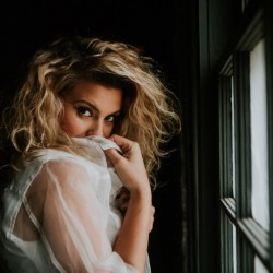 Tori Kelly - Complete Biography