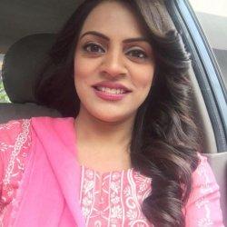 Beautiful Kiran aftab ahmed khan in Pink Dress