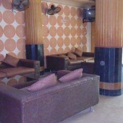 Hotel Burj ul Hateem Sitnig Area