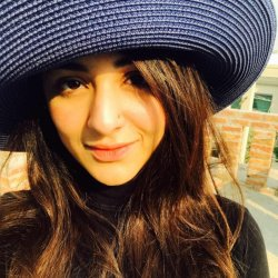 Cute Yumna Zaidi In black Dress