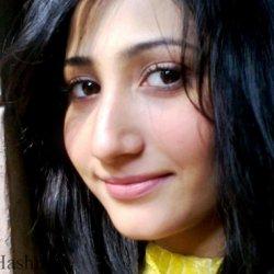 Pari Hashmi 23