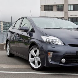 Toyota Prius 1.8 S Over view