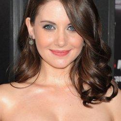 Alison Brie 17