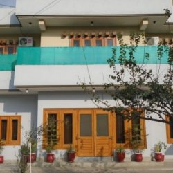 Pak Palace Guesthouse Building