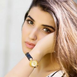 Gorgeous Hareem Farooq Biography