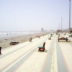 Clifton_beach_karachi.jpg