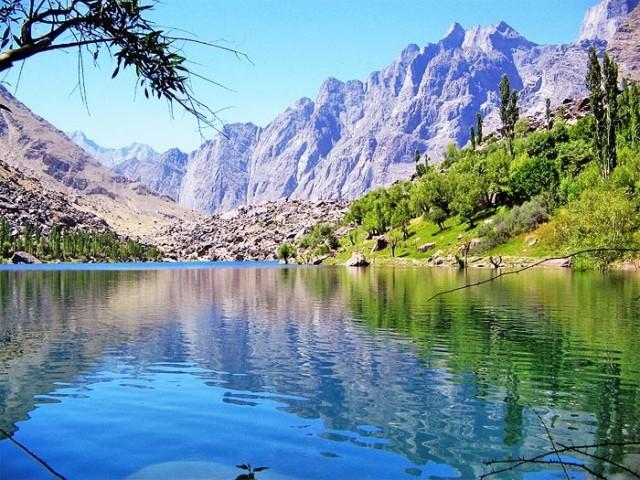 Upper Kachura Lake