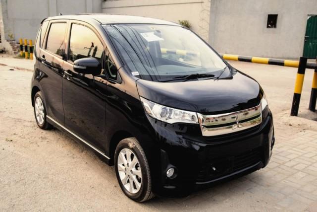 Mitsubishi EK Custom M 2021 (Automatic)