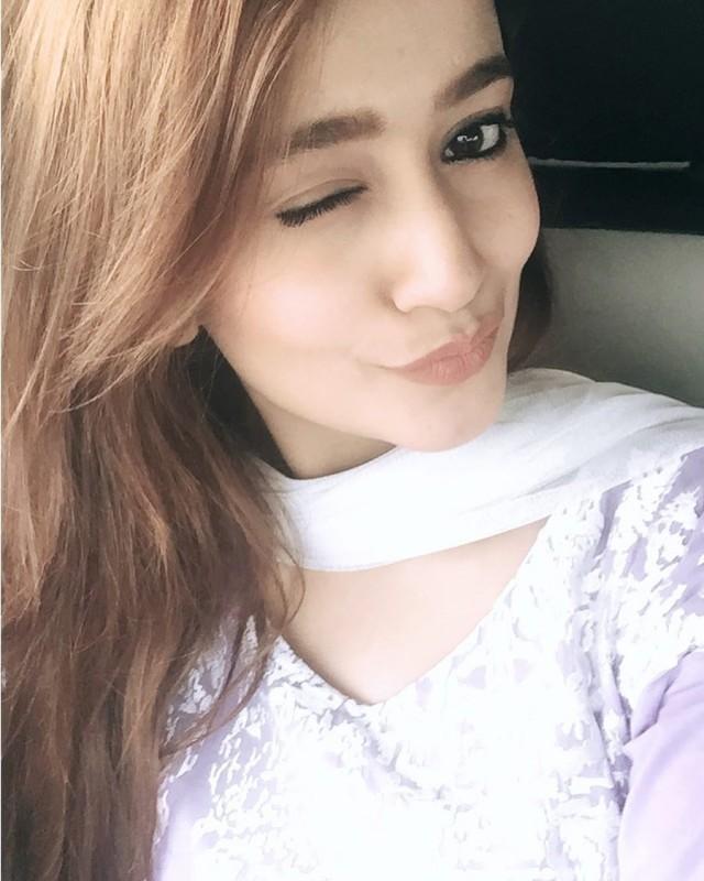 Zarnish khan