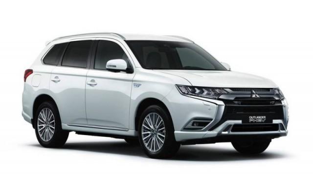 Mitsubishi Outlander PHEV 2021 (Automatic)
