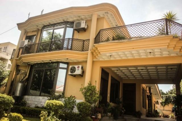 Lasani Palace