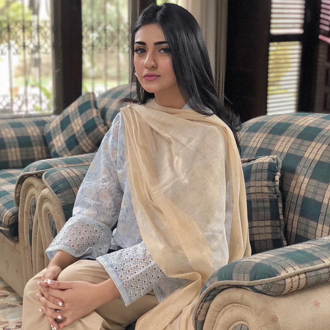 Sarah Khan Biography, Dramas, Height, Age, Family, Net Worth 3