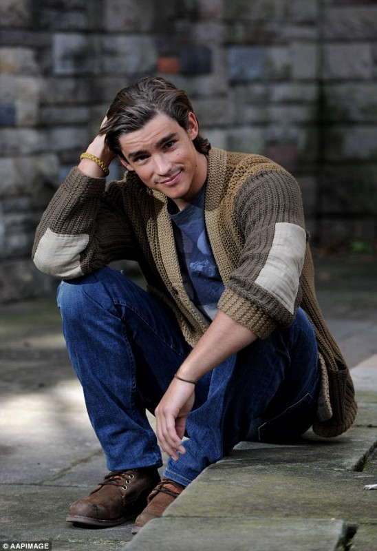 Brenton Thwaites Movies List Height Age Family Net Worth