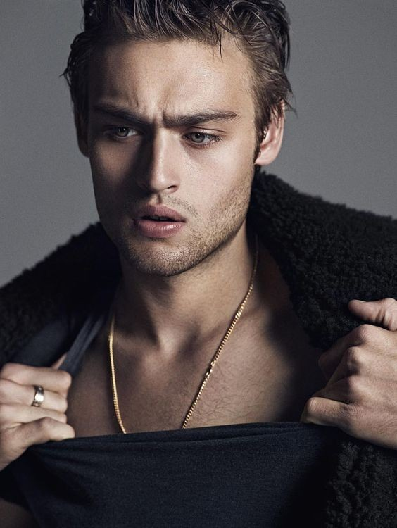 Douglas Booth Movies List, Height, Age, Family, Net Worth