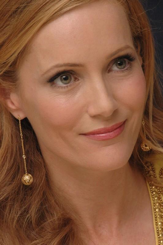 Leslie Mann Movies List Height Age Family Net Worth