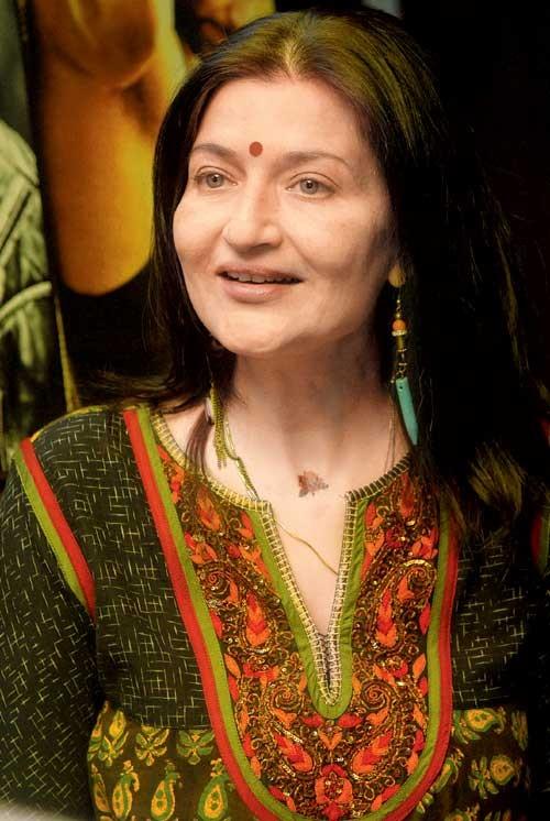 Sarika Hassans Hot Pics - Indiatimes.com