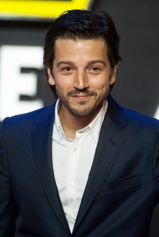 Diego Luna Movies List Height Age Family Net Worth