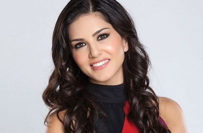 Sunny Leone Movies List, Height, Age, Family, Net Worth-1755