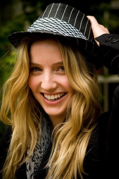 Annabelle Wallis Movies List Height Age Family Net Worth